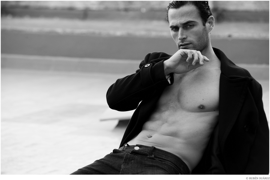 The face of Davidoff Coolwater Night Dive, footballer turned model Christian Santamaria (Traffic Models) connects with photographer Rubén Suárez for a new shoot. Posing for striking black & white photos, Christian is outfitted by stylist Rocio Valiño, sporting a sleek black wardrobe.