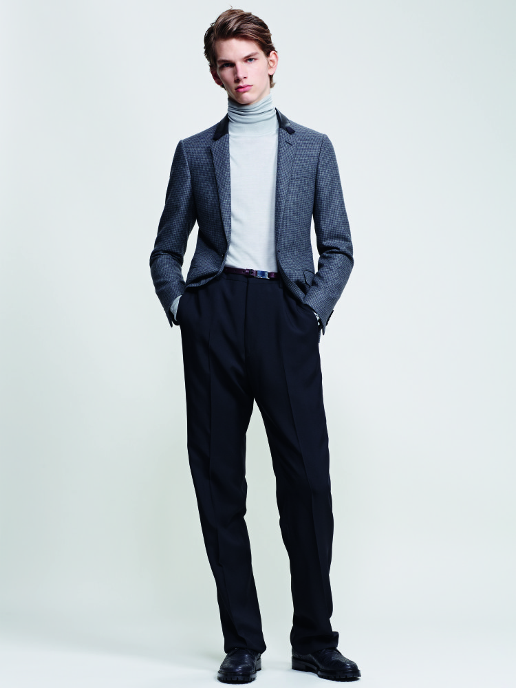 Lanvin released a very classic and elegant pieces in its Pre-Fall 2015.