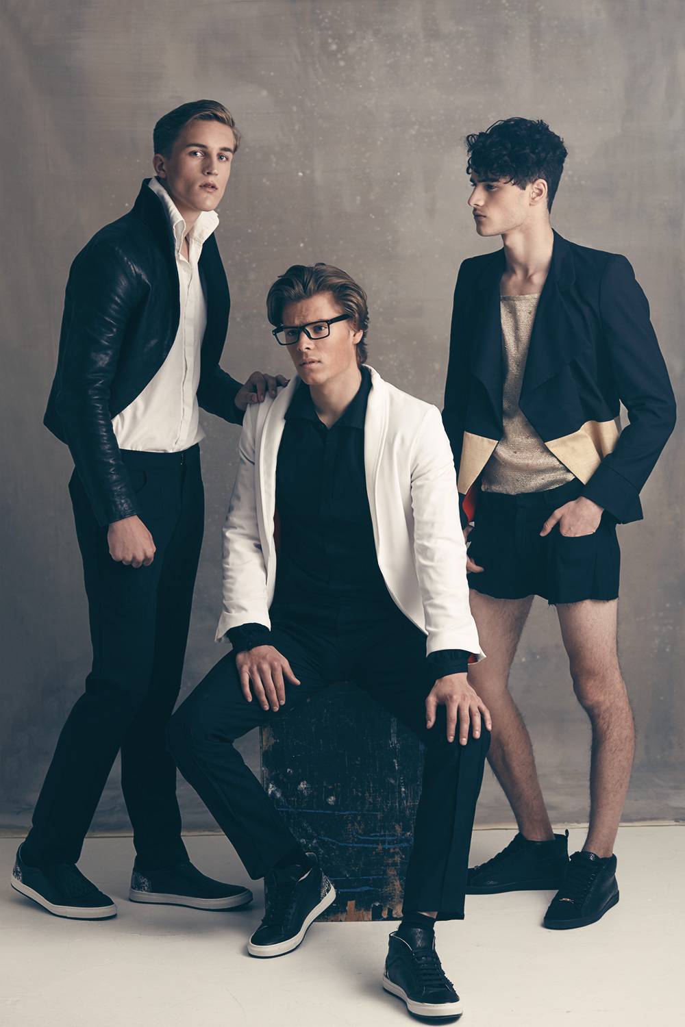 An exclusive featuring with stunning models and beautiful clothing here's the boys from New Generation Models all photographed by Robin Kamphuis. The models are David, Sander, Mike, Bidjoy, Ruben and Bram styled by Nathalie Alting Siberg in pieces from Allan Vos. Grooming by Kayleigh Lee-On.