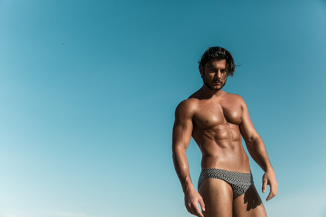 This happened just one day at Rio de Janeiro, just the beach in the background and Daniel Garofalo blows away. Shot by talented Jeff Segenreich, thanks so much for sharing I was digging for it.