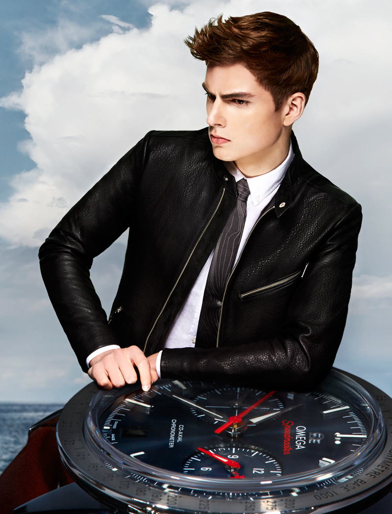 Hereby is the second editorial out of three that I styled for Winq Magazine as promised. The editorial named ''Watches'' showcases upcoming model Juriaan Seppenwolde from Elite Milano in a Alice in WonderlandDali kind of world surrounded by the must-have watches of the season while he is wearing REISS, Drykorn, Boss, Strellson, Filippa K and Hackett London.