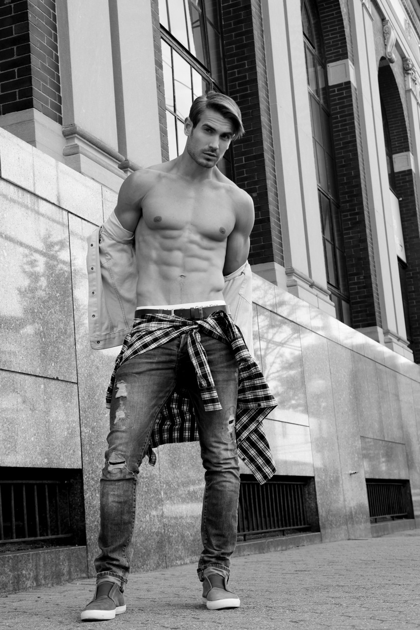 Lucas Bloms: Backpacking His Way to Stardom /PnV Exclusive
